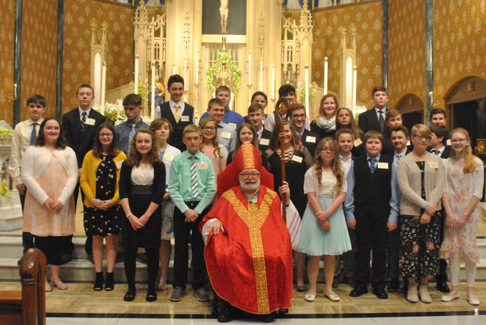 Class-Pic-with-Bishop